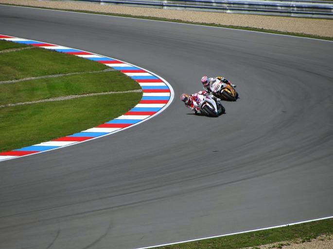 racing-217441.jpg